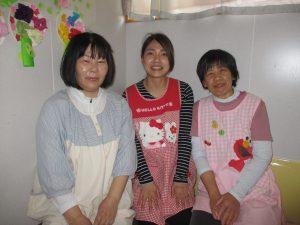 (左から)山本先生・やよい先生・牧田先生